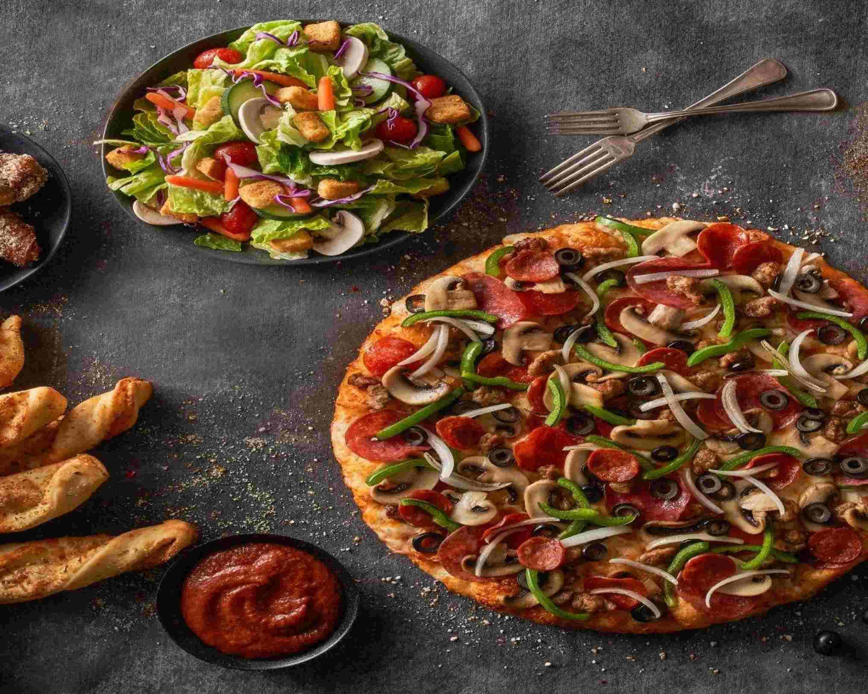 Order Round Table Pizza 31775 Date Palm Drive Delivery Online Springs Menu Prices Uber Eats