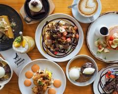 Honey Badger Dessert Cafe