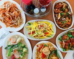The Zen Fine Hakka and Thai Cuisine (Stouffville)