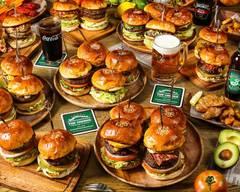 ザ コーナー ハンバーガー&サルーン THE CORNER Hamburger&Saloon