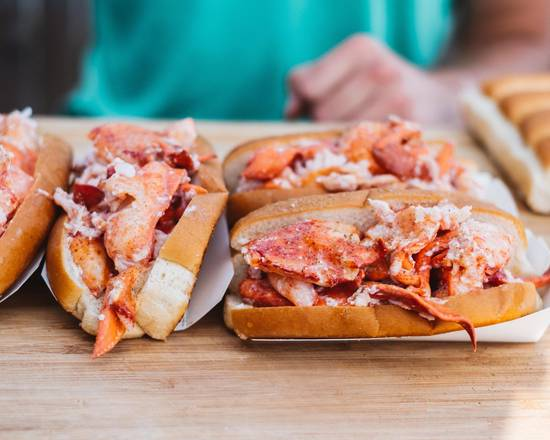 Luke's Lobster  (800 17th St NW)
