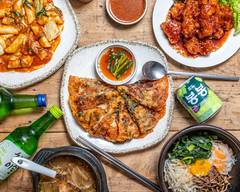 韓国料理 ウリジップ Korean Restaurant URIZIP