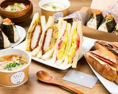 手作りおにぎりとサンドイッチ カヤバヤ 横浜ランドマーク店
