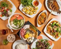 BANH MI CHE CALI Restaurant & Bakery
