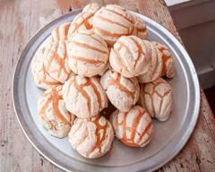 La Monarca Bakery (5700 Whittier Blvd)