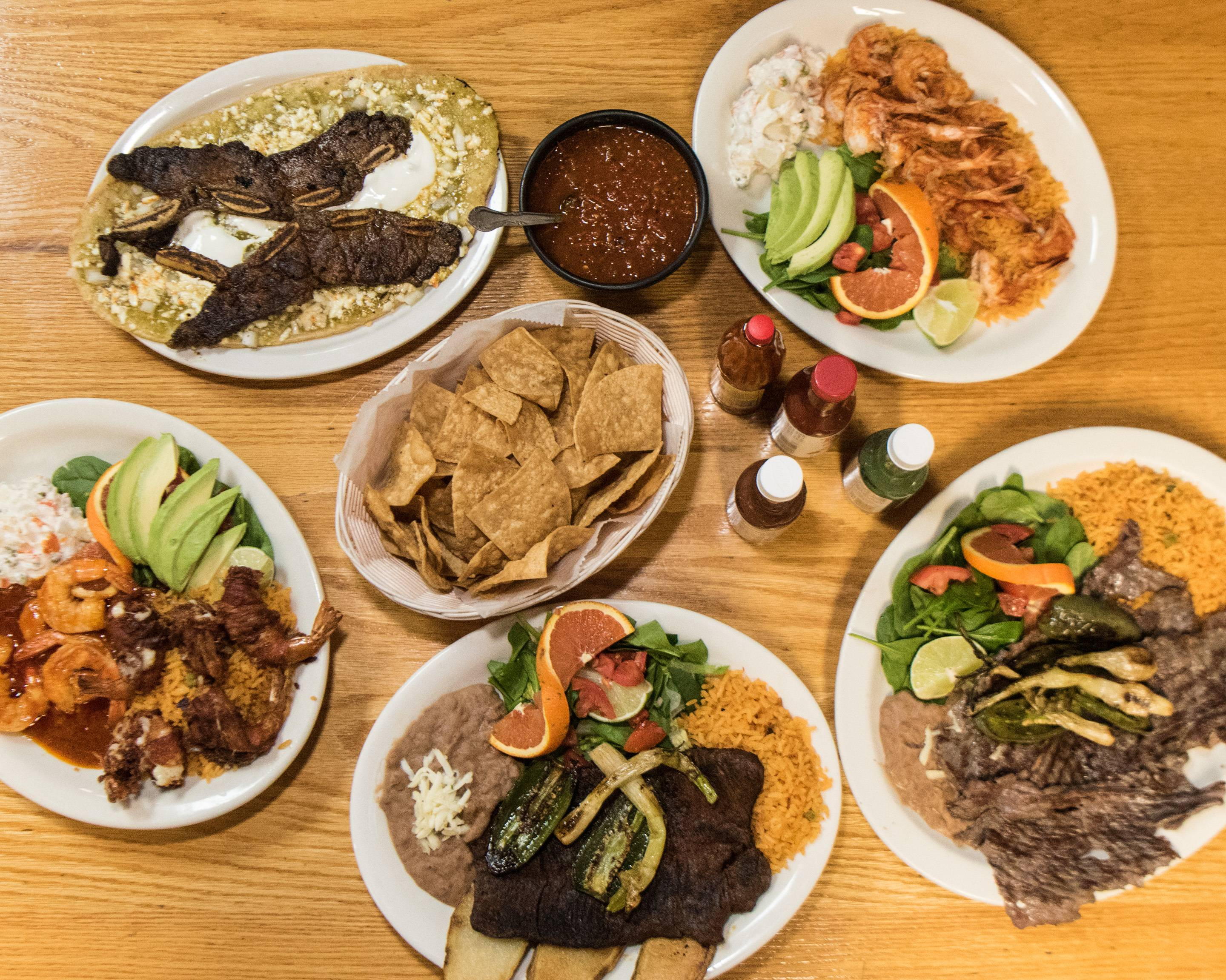 Order Huaraches Mexican Restaurant Delivery Online | Chicago ...