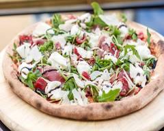 Jordan Tomas - Pizza Mamamia - Montchat