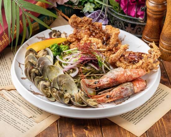 薩丁尼亞海鮮拼盤青醬義大利麵Sardinian seafood platter