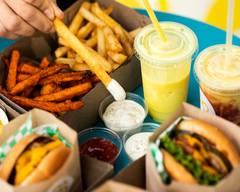 Honeybee Burger (345 N La Brea Ave)