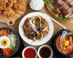 Mon Ami Restaurant Coreen