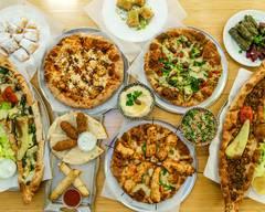 Las Mona's Panaderia y Pizzeria