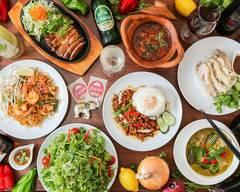 本格タイ料理バル プアン 学芸大学店 Thai Restaurant Puan at Gakugeidaigaku
