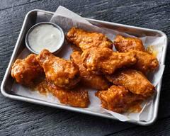 Hoots Wings (Reynoldstown)