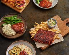 Ruby Tuesday (2711 East 1St Street)