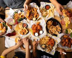 Buffalo Wild Wings (1112 Deer Park Ave)