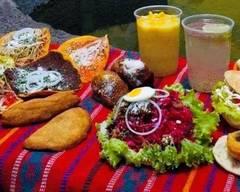 El Rancho Restaurante Y Pupuseria