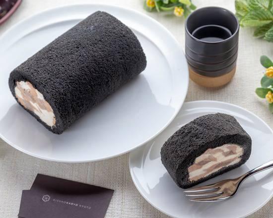 お取り寄せ(楽天) 焦がしきな粉のはんなりロールケーキ 12cm 価格1,404円 (税込)
