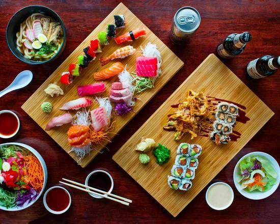 Combinado de Sushi até 50 peças OU Temaki OU Yakisoba!
