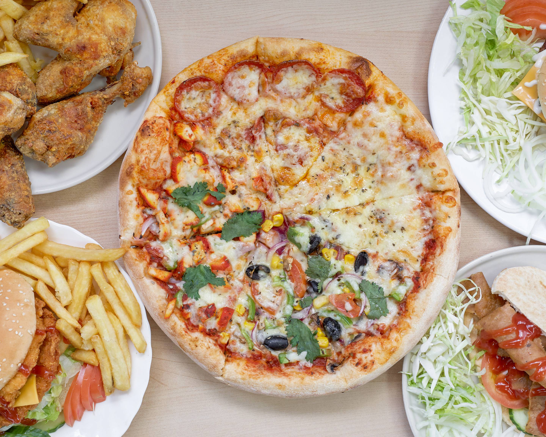 Pizza La Fonte Takeaway in Leeds | Delivery Menu & Prices | Uber Eats