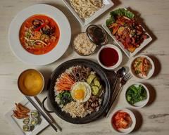 Samurai's Sushi & Korean Pub