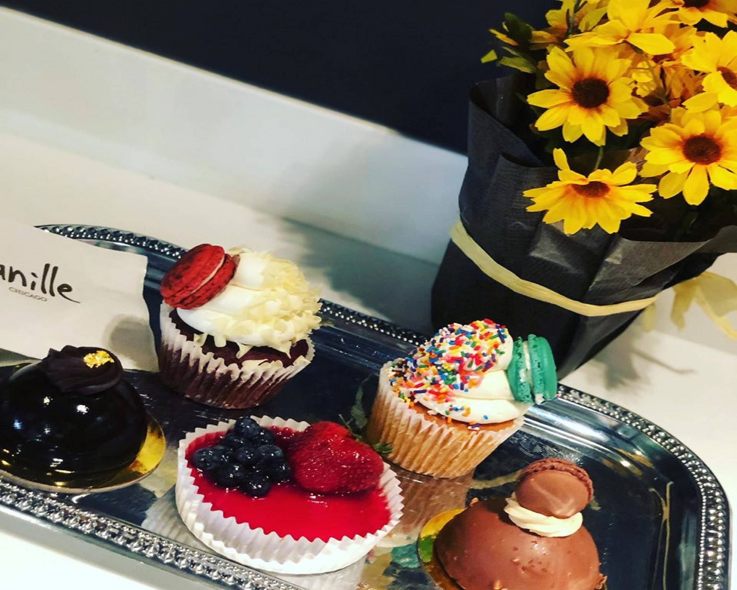 Order Vanille Patisserie (Lincoln Park) Delivery Online Chicago Menu & Prices Uber Eats