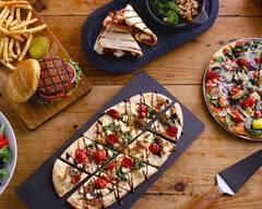 Uno Pizzeria & Grill (820 Hall of Fame Avenue)