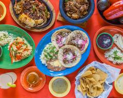 Tacos & Pupusas Gonzalez