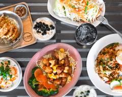 La moon Thai eatery