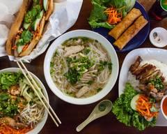 Pho Lee Hoa Phat 1