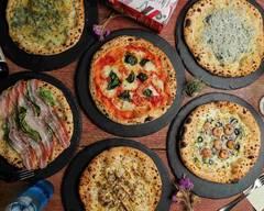 ピッツェリア・グラフィティムーン Pizzeria GRAFFITI MOON