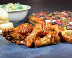 BOSS. Pizza + Wings
